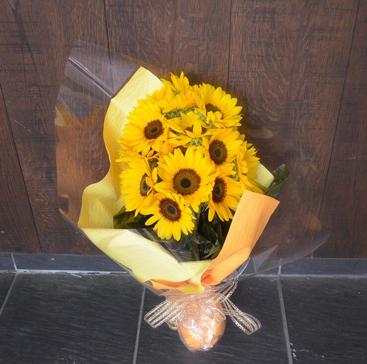 誕生日プレゼントヒマワリ花束