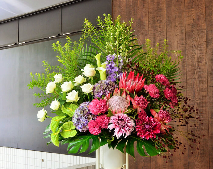 30周年リサイタル祝いスタンド花