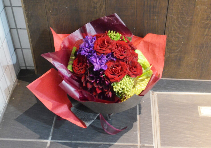 フレンチレストランお祝い花束