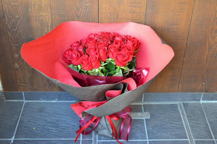 誕生日プレゼント赤バラ花束