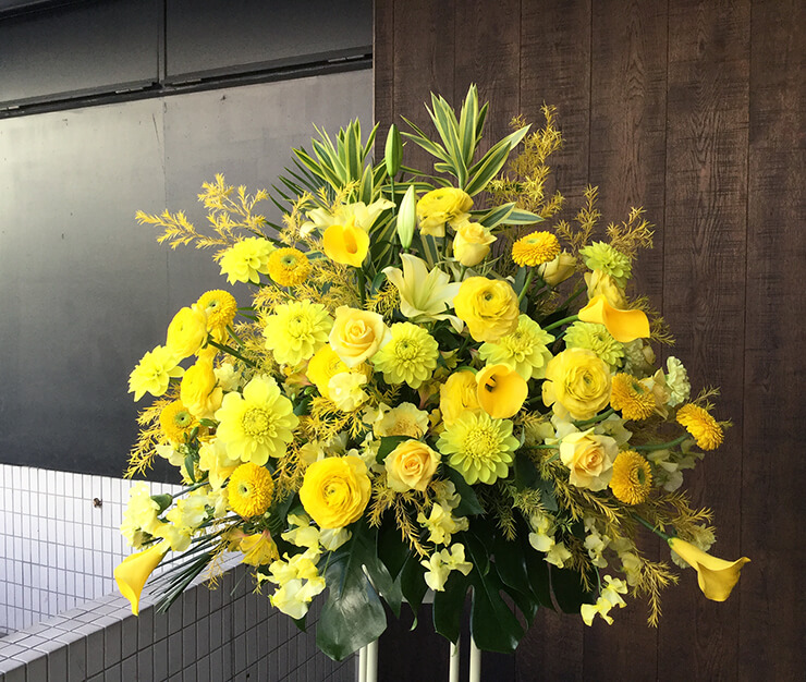 誕生日祝いイベントスタンド花