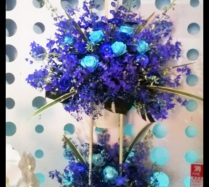 赤坂開店祝いブルースタンド花2段
