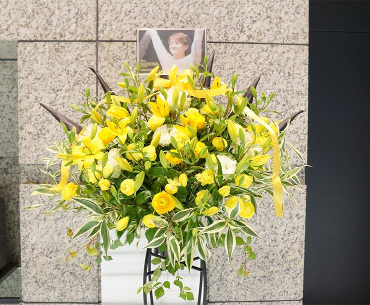 XIAジュンス様バラコンスタンド花