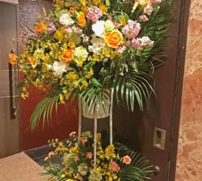 銀座 クラブの周年祝いスタンド花