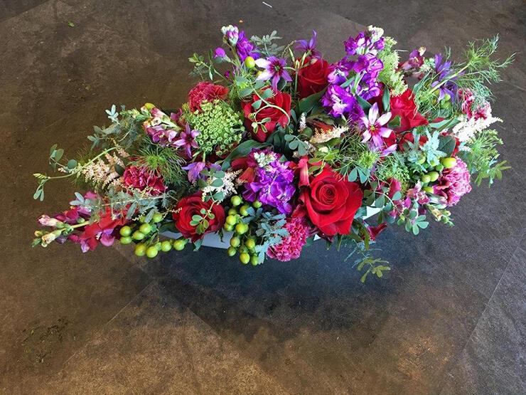 八王子市 金多屋ギャラリー 平岡直生様個展祝い花