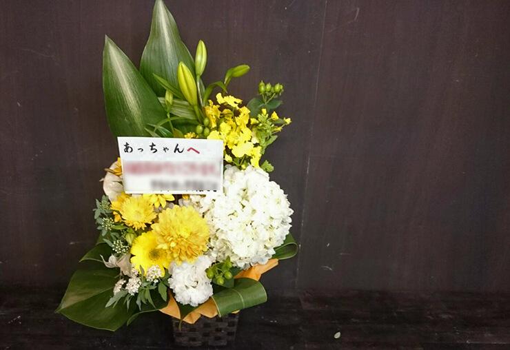練馬区豊玉 ミラクル ご店主様の誕生日祝い白系の花