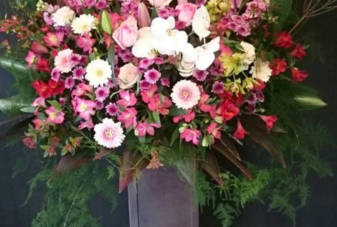 椿山荘 表彰式アイアンスタンド花