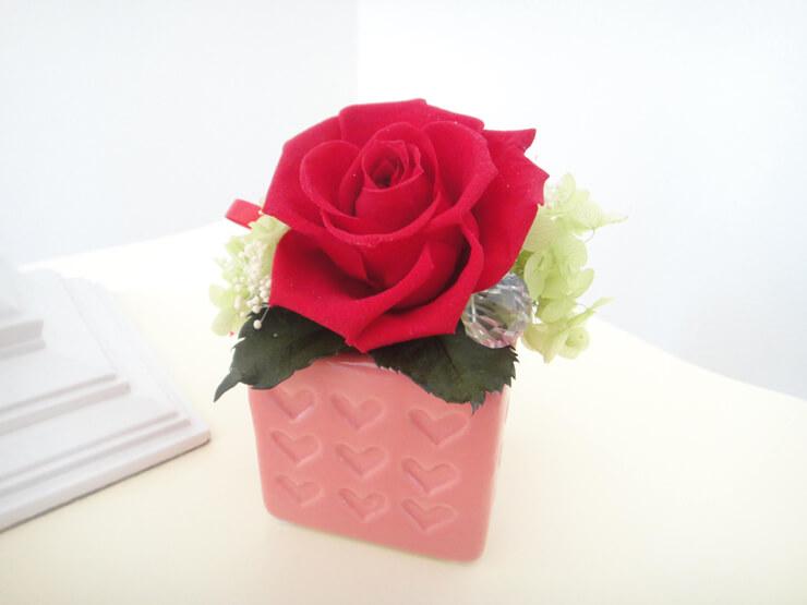 川崎市 誕生日プレゼントに一輪のバラ