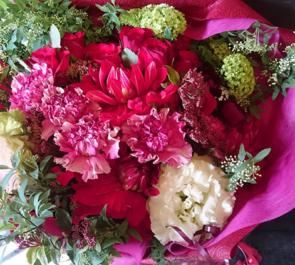 練馬文化センター イベント祝い赤系花束
