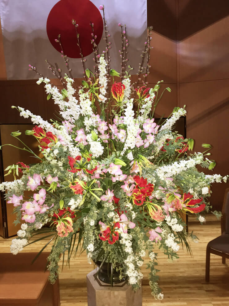 千代田区 神田女学園様の卒業式用壇上花