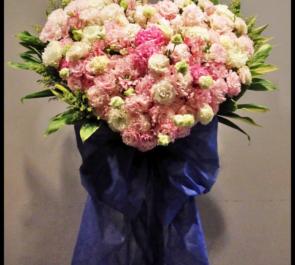 新国立劇場 竹之内景樹様の舞台出演祝いハートスタンド花