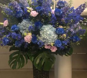 シアター1010 舞台公演祝いスタンド花