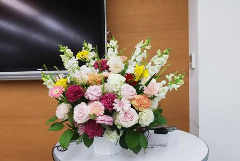 渋谷 東京インターハイスクール様の入学式卒業式壇上花