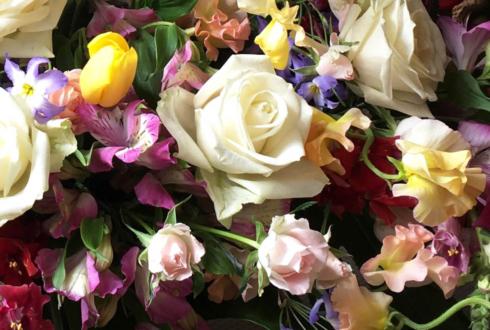 多摩市 TREAT様の1周年祝い花