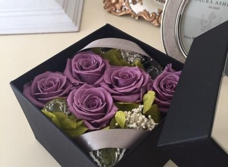 さいたま市 古希祝いに紫の花 プリザーブドフラワーボックスアレンジ