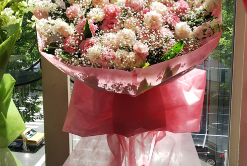新宿ReNY MADKID SHIN様のライブ公演祝い花束風スタンド花 Pink