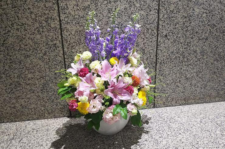 東京都庁 研修開講式壇上花