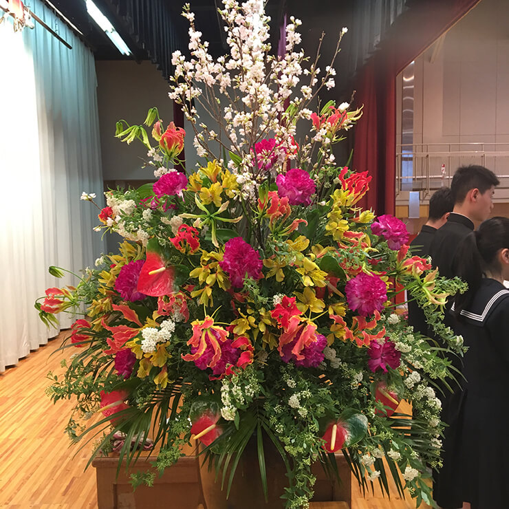 本駒込 文京区立第九中学校様の卒業式用壇上花