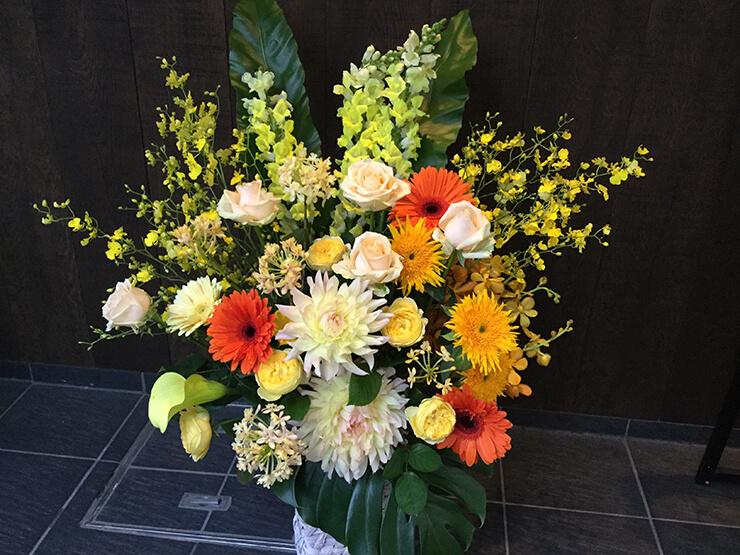 麻布十番 懐石鉄板いろは様の開店祝い花
