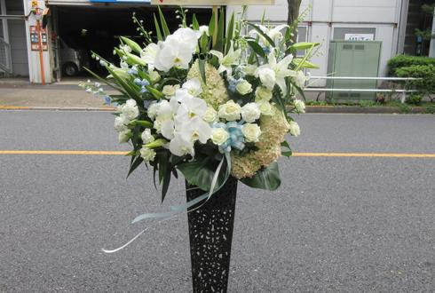 吉祥寺STAR PINE'S CAFE 白又敦様の主演舞台アイアンスタンド花