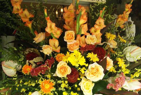 東京ドーム 読売ジャイアンツ 上原浩治選手のトリプル100達成祝いスタンド花