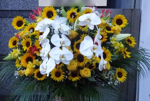 銀座 クラブボヌール 暁ママ様の誕生日祝いスタンド花