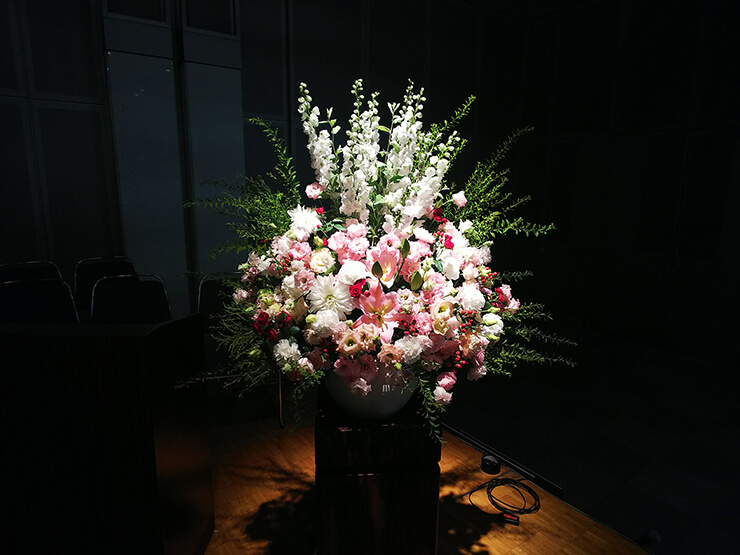 TFTホール 日本数学教育学会様の創立百周年記念大会壇上花
