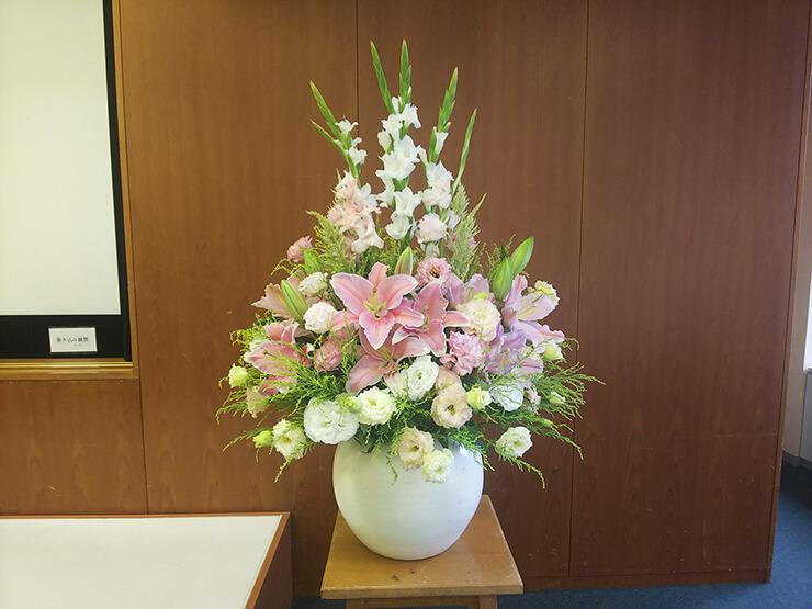 丸の内 フレンズ帰国生母の会様の35周年記念講演会壇上花