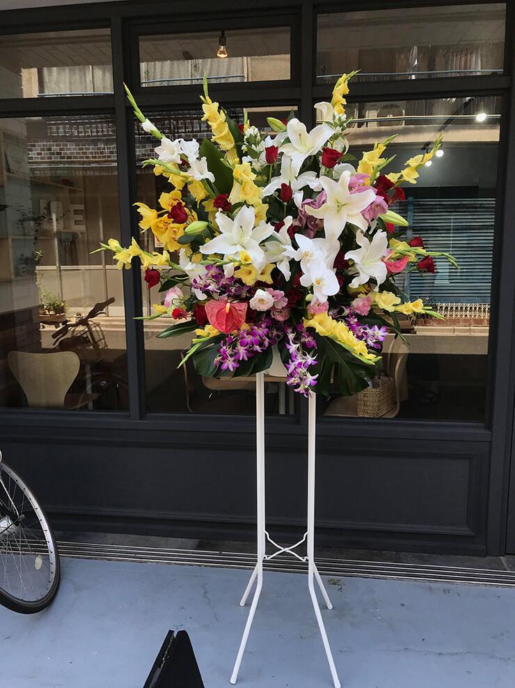 上野 daughter boutique様の開店祝いスタンド花