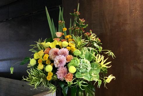 六本木 誕生日祝いスタンド花