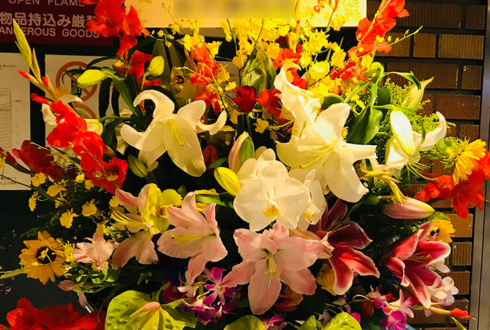 シアター代官山 山下聖良様の舞台出演祝いスタンド花