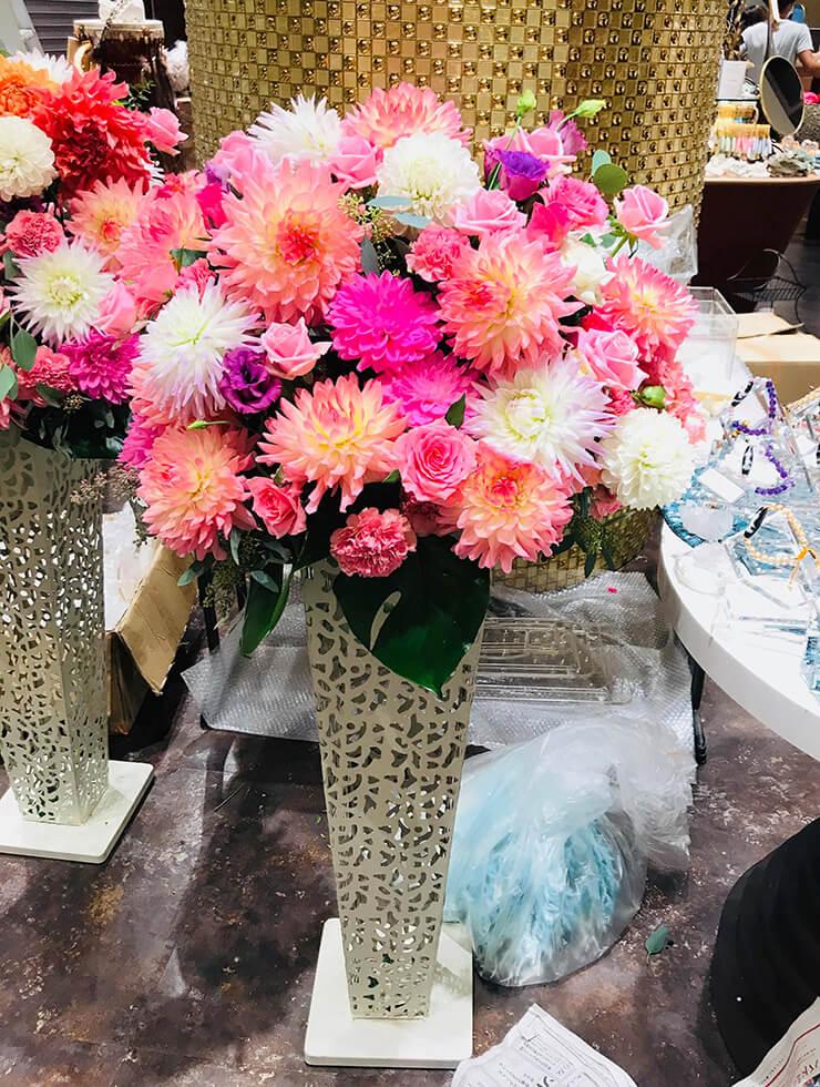 The Green Tara オリナス錦糸町店様の開店祝いアイアンスタンド花