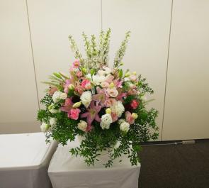 新宿NSビル 旭化成リフォーム株式会社様の内定式壇上花