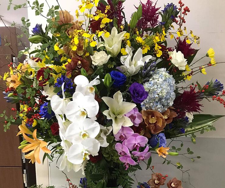 パレスホテル東京 株式会社ナリカ様の100周年祝い和風スタンド花2段