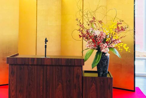 習志野市 日大生産工学部様の講演会授賞式壇上花 壺花