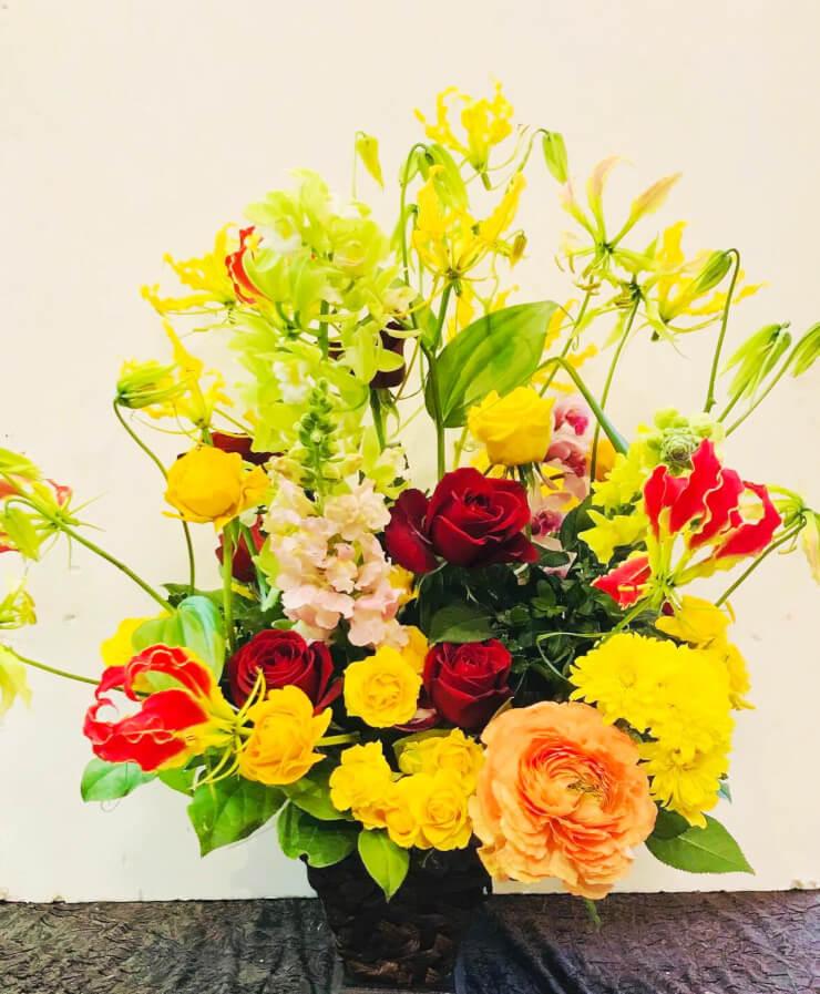 ドローン ザ ワ-ルド東京上野店様の開店祝い花