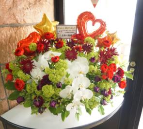 ときわホール 土井一海様のバースデーイベント「一か月遅れの後夜祭」祝い花