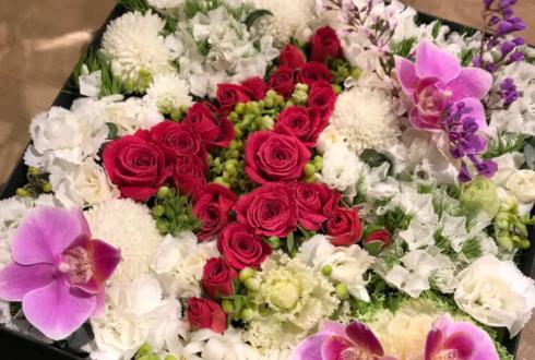 クラブ 銀座ゆい様の4周年祝い花 boxアレンジ