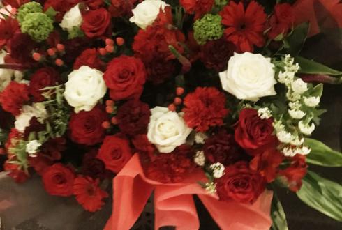 TwinBoxAKIHABARA キミイロユース深瀬真璃奈様の生誕祭祝いアイアンスタンド花