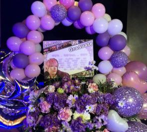 渋谷Freedom びしょっぷ 岡村哲志様の卒業ライブ公演祝いバルーンリースフラスタ