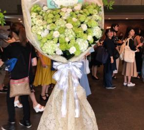 ドイツ文化会館OAGホール 小林涼様の写真集発売記念イベント祝い花束風スタンド花