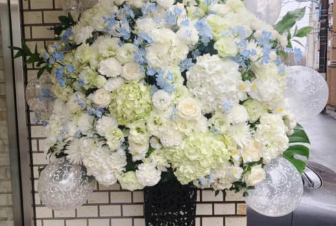 荒井つかさ様の写真集発売記念イベント祝いアイアンスタンド花 @スタジオTORA