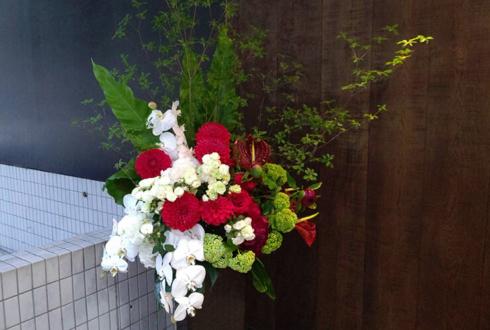 港区南青山Body&Soul様の自粛要請緩和営業再開の開店祝いスタンド花