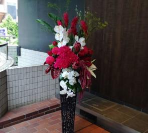 Electrik神社様の自粛要請緩和営業再開に。開店祝いアイアンスタンド花