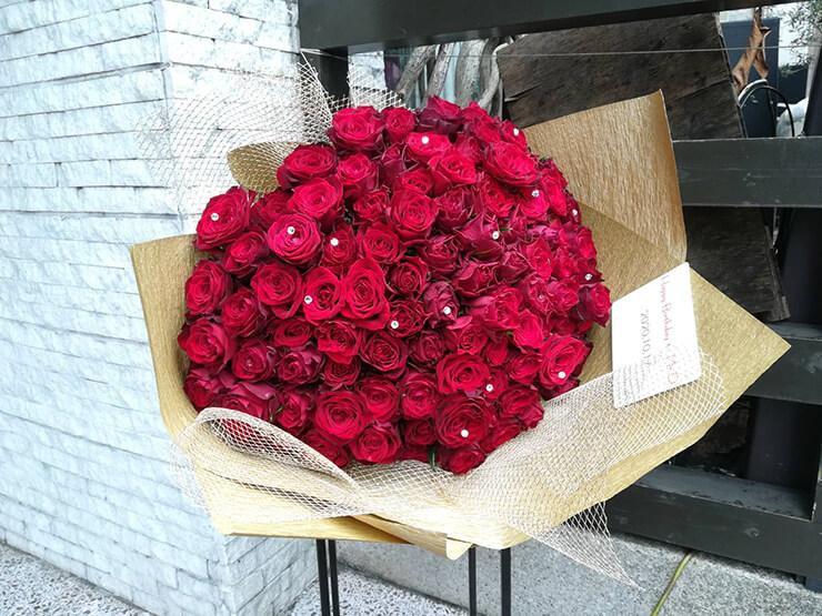 内海大輔様のBDライブ公演祝い赤バラ花束100本 @新宿MARZ