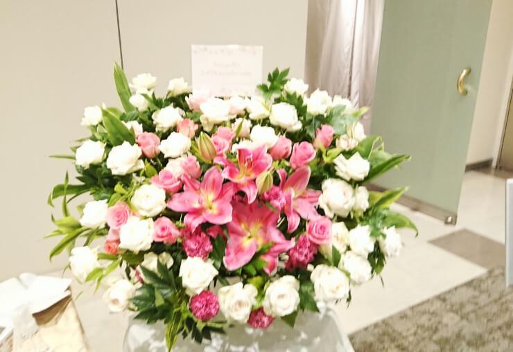 梅田彩佳様のファンクラブラストイベント「ぷらむ卒業式」開催祝い花 @都内某所
