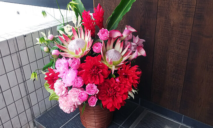 二宮愛様のミュージカル『レ・ミゼラブル』出演祝い楽屋花