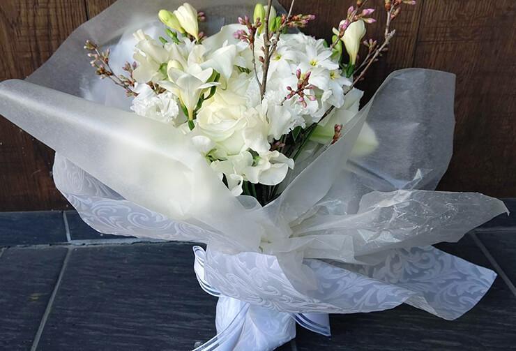 奥様へのプレゼント用花束 @レフェルヴェソンス/L'Effervescence