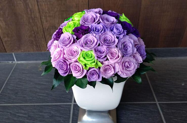 結婚祝い花 紫濃淡×グリーン @南青山