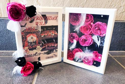 【 #ヲモヒヲカタチニプラス 】うぃる様の誕生日祝い花 プリザーブドフラワーフォトフレームアレンジ @AlbaNox